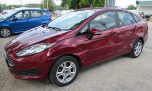 2015 Ford Fiesta SE Front Left