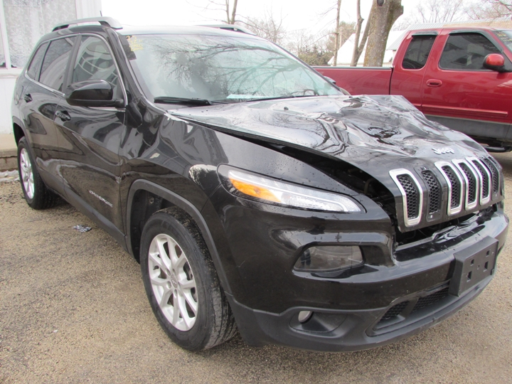 2015 Jeep Cherokee Latitude Front Right