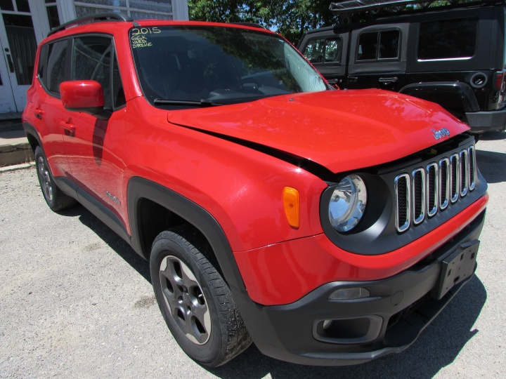 2015 Jeep Renegade Front Right