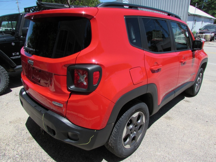 2015 Jeep Renegade Rear Right