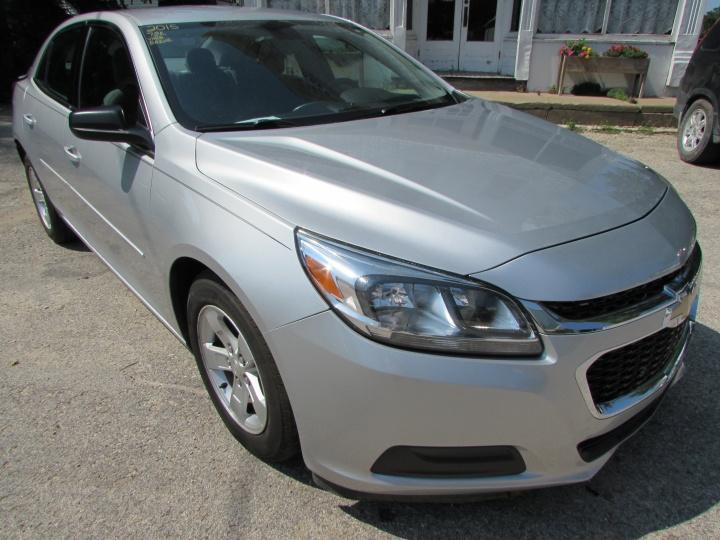 2015 Chevy Malibu LS Front Right