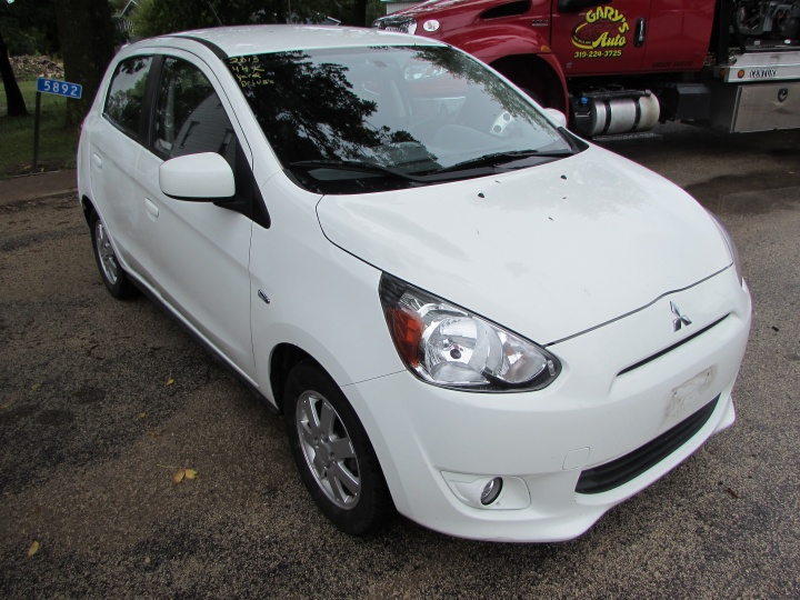 2015 Mitsubishi Mirage ES Front Right