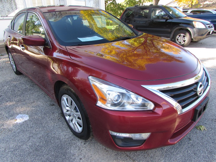 2015 Nissan Altima Front Right