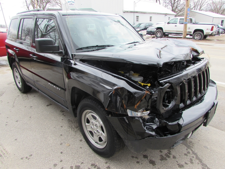 2015 Jeep Patriot Sport Front Right