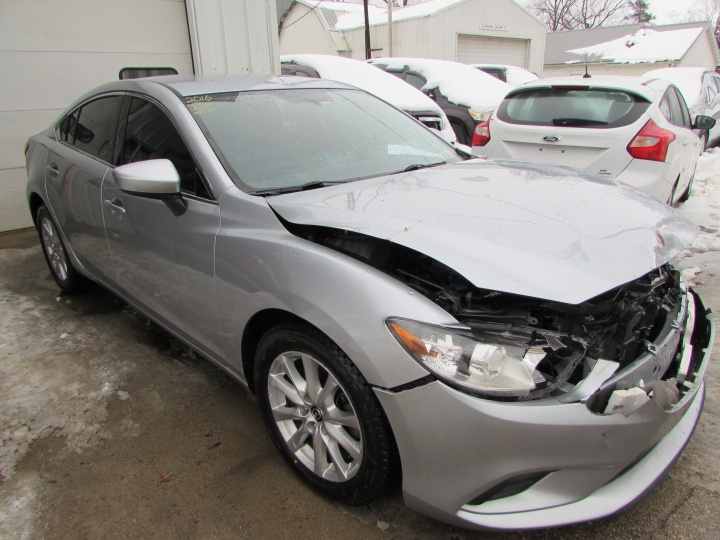 2016 Mazda 6 Sport Front Right