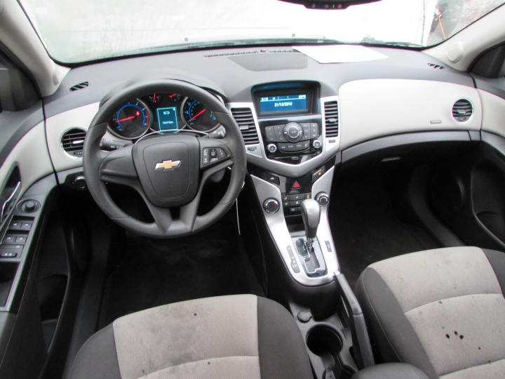 2016 Chevy Cruze LS Interior