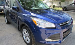2016 Ford Escape SE Front Right