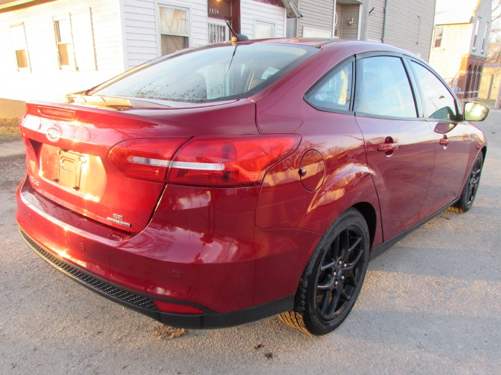 2016 Ford Focus SE Rear Right