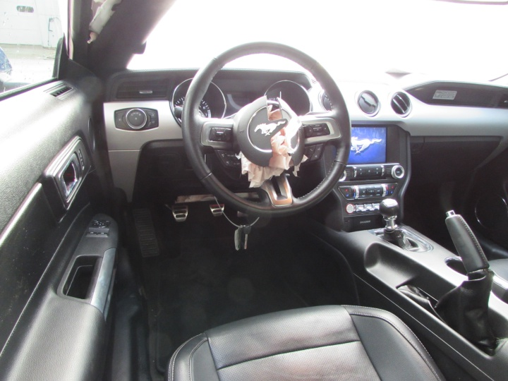 2016 Ford Mustang EcoBoost Interior