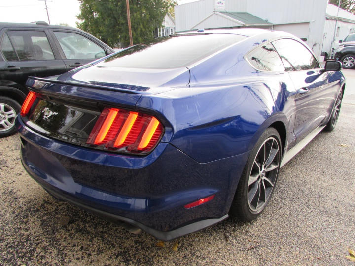 2016 Ford Mustang EcoBoost Rear Right
