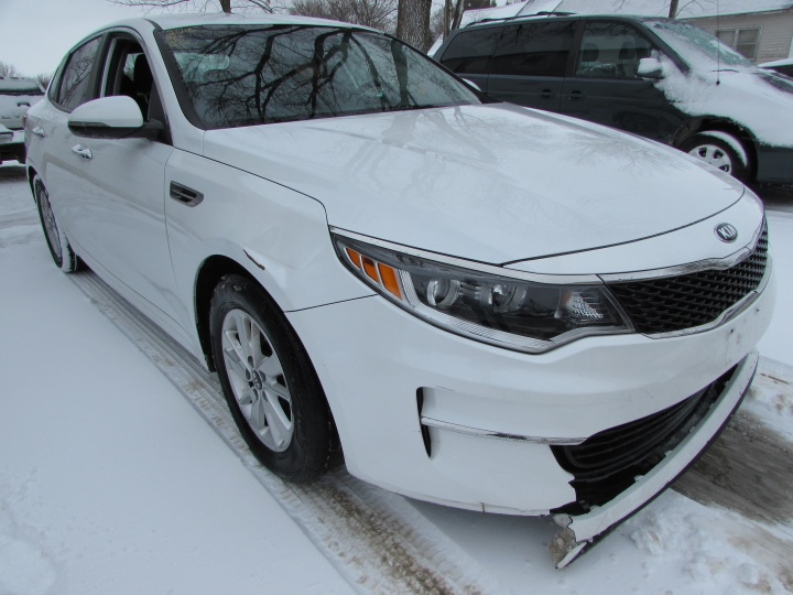 2016 Kia Optima LX Front RIght