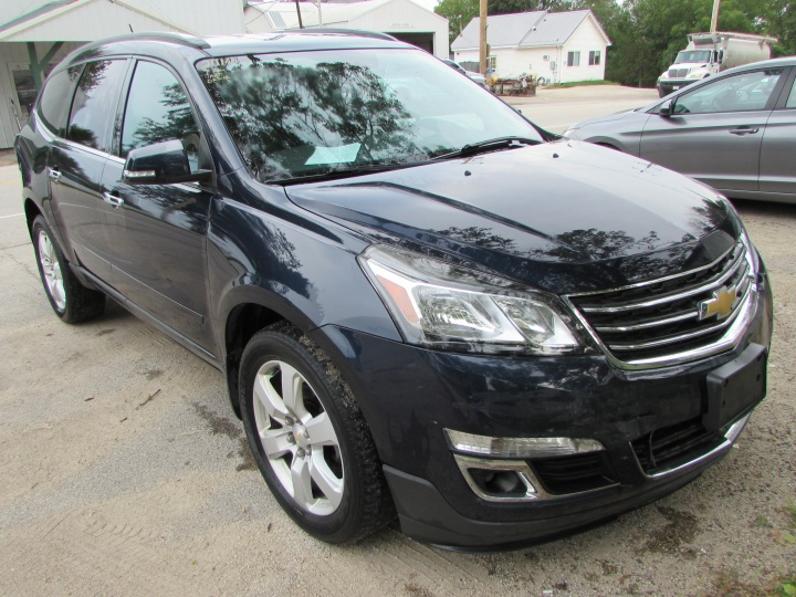 2016 Chevy Traverse LT Front Right