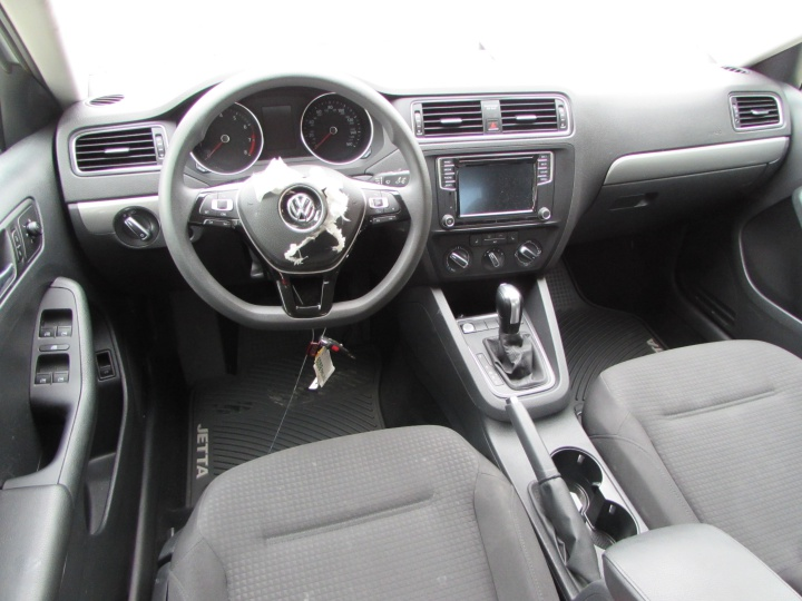 2016 VW Jetta Interior