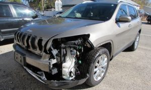 2017 Jeep Cherokee Limited Front Left