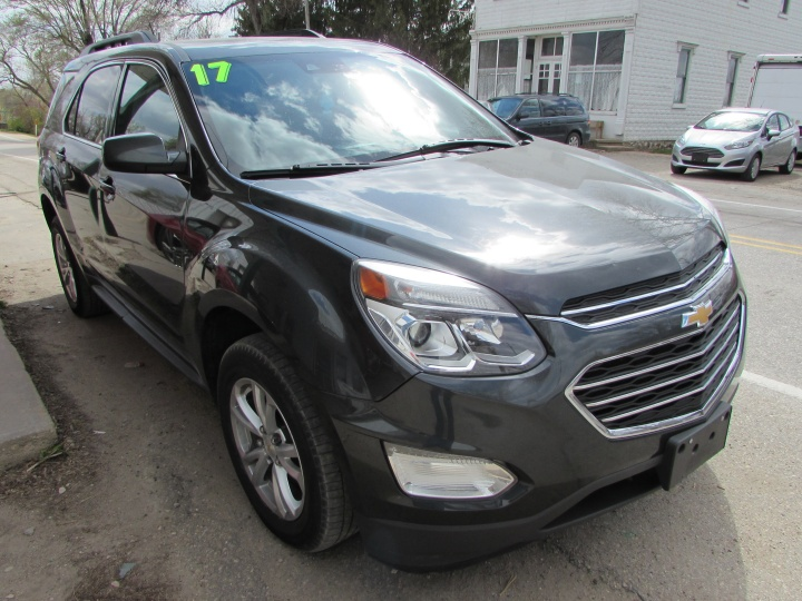 2017 Chevy Equinox LT Front Right