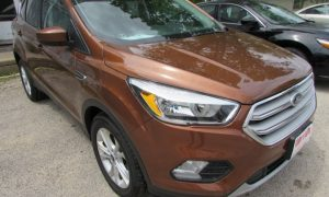 2017 Ford Escape SE Front Right