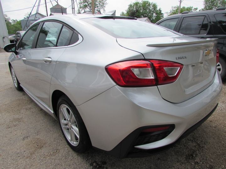 2018 Chevy Cruze LT Rear Left