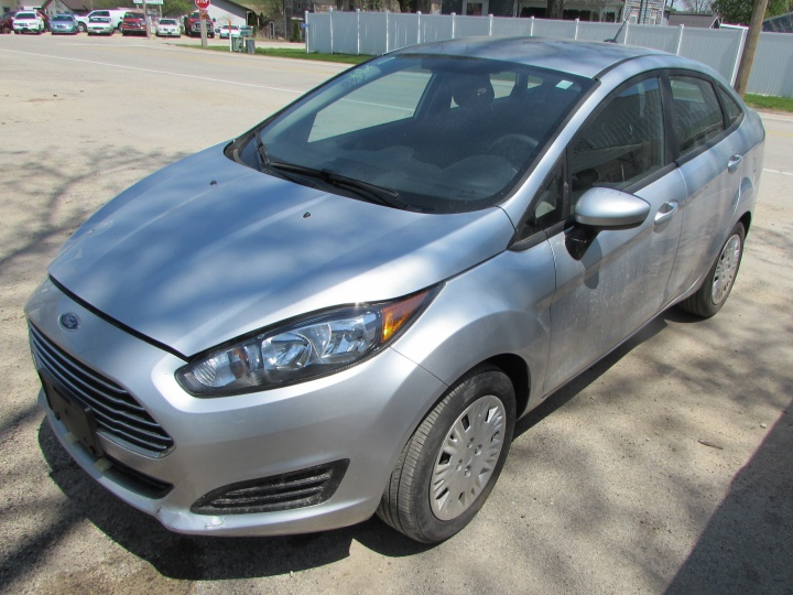 2018 Ford Fiesta S Front Left
