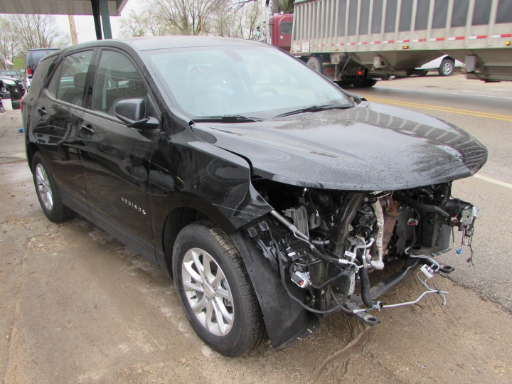 2019 Chevy Equinox LS Front Left