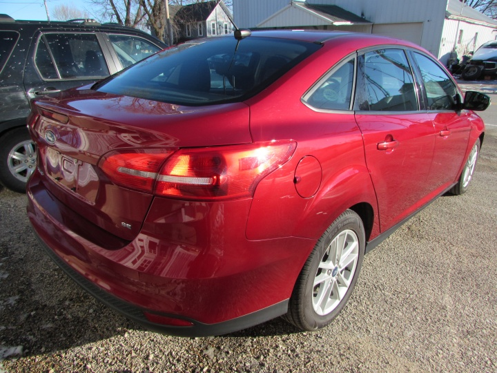 2017 Ford Focus SE Rear Right