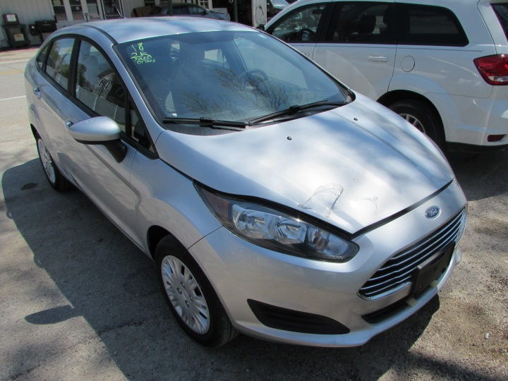 2018 Ford Fiesta S Front Right
